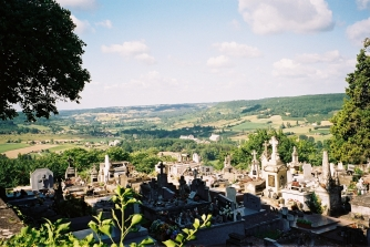 F1030015_France graveyard view